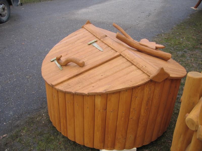 Как сделать крышку на колодец из дерева  527